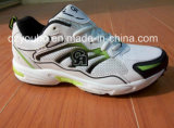 Дешевые ботинки людей спорта фабрики