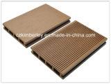 Suelo impermeable popular de WPC para el uso al aire libre