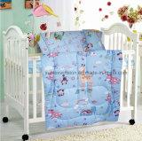 赤ん坊の寝具セット