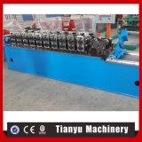 C Uのプロフィールの金属のスタッドおよび機械を形作るトラックロール
