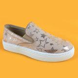 Pattini correnti delle scarpe da tennis della stella della pelle scamosciata dell'oro della ragazza per i capretti