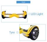 """As duas rodas as mais novas que saltam o """"trotinette"""" com diodo emissor de luz e Bluetooth/skate"""