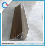 Canto laminado de madeira do PVC para conetar os painéis de teto do PVC