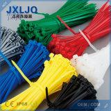 Natürliche Farben-selbstsichernder Plastikkabelbinder