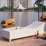 Silla de cubierta al aire libre europea del doble de la rota de los muebles del jardín para el patio de la playa