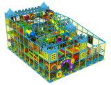 Zona de juegos al aire libre grande divertida de atracciones de juegos infantil