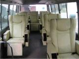 Asiento de conductor nuevo con suspensión neumática y cinturones de seguridad de 3 puntos