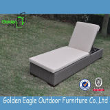 Самомоднейший горячий Lounger Sun мебели ротанга сбывания с валиком