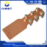 El St pulsa a tornillo las abrazaderas terminales de cobre