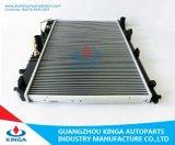 アルミニウムコアプラスチックタンクのKIA Carens MPV 2.0 ' 02のための自動ラジエーター