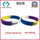 Remplissage fait sur commande de couleur de Deboss/lueur estampée dans le bracelet foncé de silicones