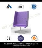 El nuevo plástico, silla Elevated de la oficina
