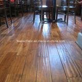 Suelo de madera raspado mano rústica natural del acacia