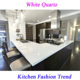 台所のための流しが付いている純粋で白い水晶石の虚栄心の上