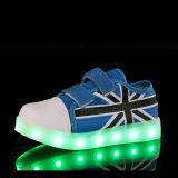 2016 LEIDENE van de nieuwe Kinderen van de Stijl LEIDENE van Schoenen Lichte Schoenen met Unisex-USB die voor Jonge geitjes laden