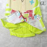 新しい到着の赤ん坊の柔らかい綿の物質的な方法子供の摩耗
