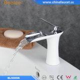 Faucet тазика ванной комнаты водопада Beelee латунный при одобренный Ce