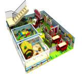 Equipamento interno do campo de jogos da casa de árvore das crianças