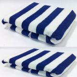 縞のプリントの質の綿ビロードのビーチタオルまたはプールタオルか水泳タオル