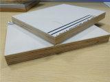 Белые панели сандвича алюминия & переклейки цвета для дверей тележки