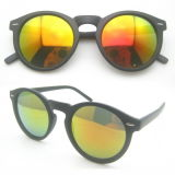 Nuovi occhiali da sole della donna dell'iniezione di modo con l'obiettivo di PC&Polarized