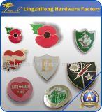 Значок Pin мака воина день памяти погибших в первую и вторую мировые войны уединённый