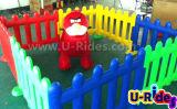 Carro animal de passeio do passeio com a cerca plástica do brinquedo