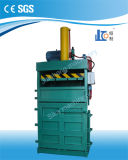 Máquina de embalaje hidráulica vertical manual Vms40-11070 para el cartón y el plástico inútiles