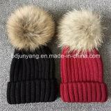 Personalizzare Cappellino modo con la pelliccia pompon