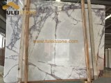 Lila weiße Marmorplatten