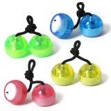 Новое СИД освещает вверх зарево игрушек шариков йойа перста в темноте