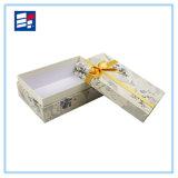 주문 호화스러운 리본 꽃과 보석을%s 가진 포장 판지 상자