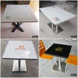 A tabela de jantar de superfície contínua quadrada ajustou-se para o hotel (T1704121)
