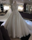 A alta qualidade elegante do desenhador personaliza o vestido de casamento nupcial