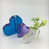 Vase noble de bureau à acrylique de forme de coeur pourpré