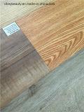 Matériau de construction imperméable à l'eau et non plancher de PVC de tuile de glissade
