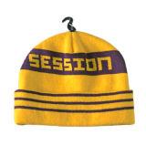 編まれた帽子