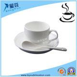 A caneca de café branco por atacado da fábrica ajusta a caneca de café cerâmica