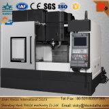 Metal industrial que processa o centro de máquina do CNC com linha central 3