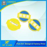 Divisa de goma modificada para requisitos particulares barata del Pin de la solapa 2D/3D del PVC para el recuerdo/la promoción