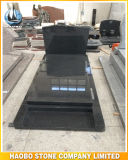 Headstone della statua di angelo con i bordi