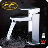 Faucet Polished de bronze da torneira da bacia do banheiro da aprovaçã0 nova do Watermark do projeto 2016 (HD4201D9F)