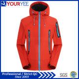 Куртки допустимый куртки Softshell высокого качества с капюшоном напольные водоустойчивые (YRK111)