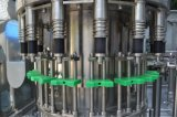 Completare la riga di riempimento automatica dell'impianto di imbottigliamento dell'acqua minerale/acqua della bevanda