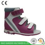 아이 정형외과용 특수 신발 아이들 신발이 은총 건강에 의하여 구두를 신긴다