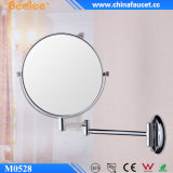 Das runde Metall konkaves, das 3X vergrößert, bilden Spiegel