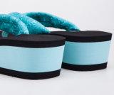 Deslizadores cómodos de la cuña para las mujeres