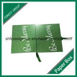 Contenitore di carta di regalo operato con il nastro