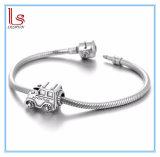 L'argento borda l'automobile dell'annata per il braccialetto europeo