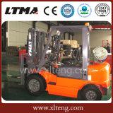 Le chariot élévateur neuf de 2 Nissans de tonne évalue le chariot élévateur de gaz de LPG